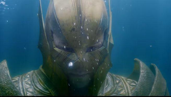 Si tu regardes trop l'abysse, l'abysse te regarde  (Corum Rath / Zinda Blake) Justice-league-atlantis-soldier-1037860