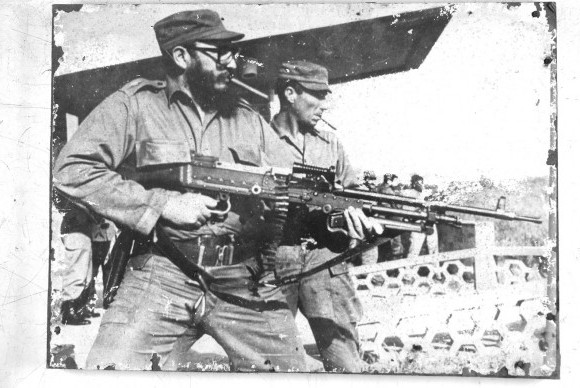Cules - Página 20 Fidel-con-ametralladora-DE-TRIPODE-original-580x3881