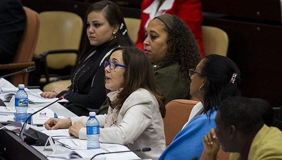 Aprobada en Cuba nueva Constitución Mariela-castro-asamblea-580x330