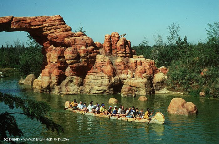 Les mystères de frontierland! LTF2-Designing-Disney-Blog