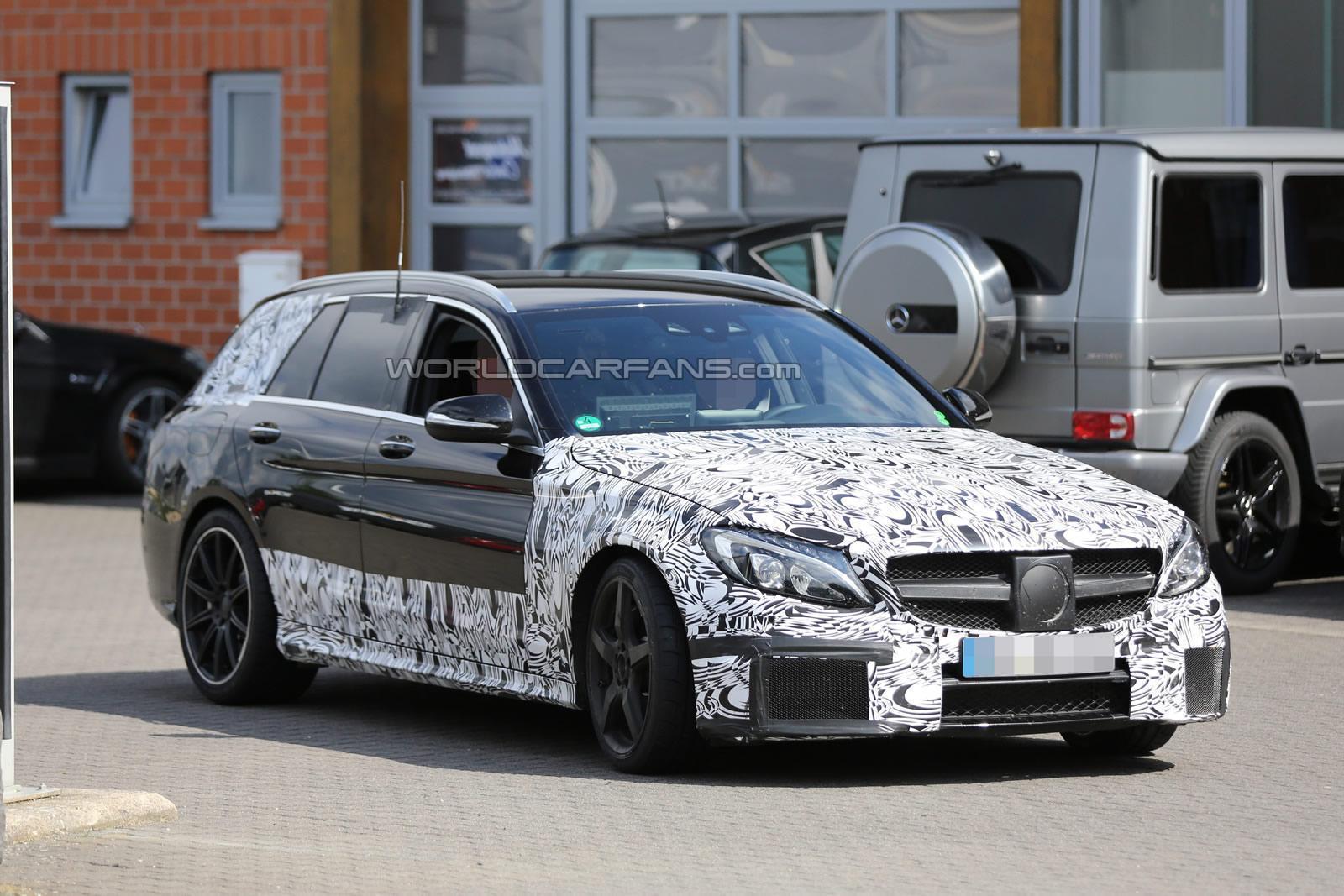 (S205): Protótipos da C63 flagrados em testes em Nürburgring C63-amg-estate-6-30-2