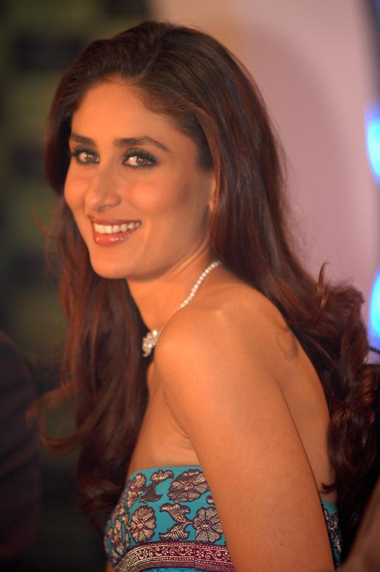 БЕБО - Карина Капур / Kareena Kapoor - Страница 10 10_1352879038