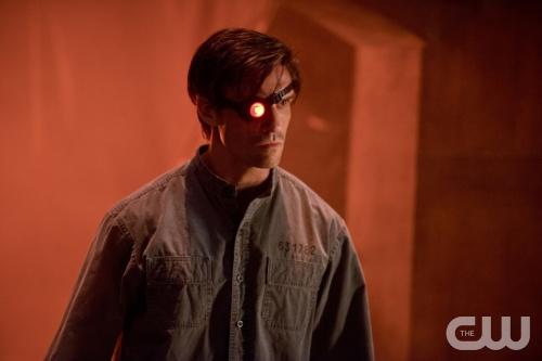 [CINEMA] Suicide Squad - TRAILER! - Página 4 CW-Arrow-Keep-Your-Enemies-Close-Lyla-Michaels-Deadshot-art-1