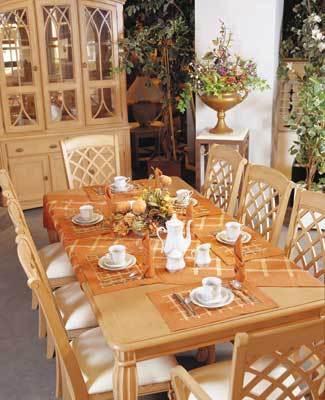 اجمل غرف الطعام لاصحاب الّوووق العالى .......... Large_1173778710