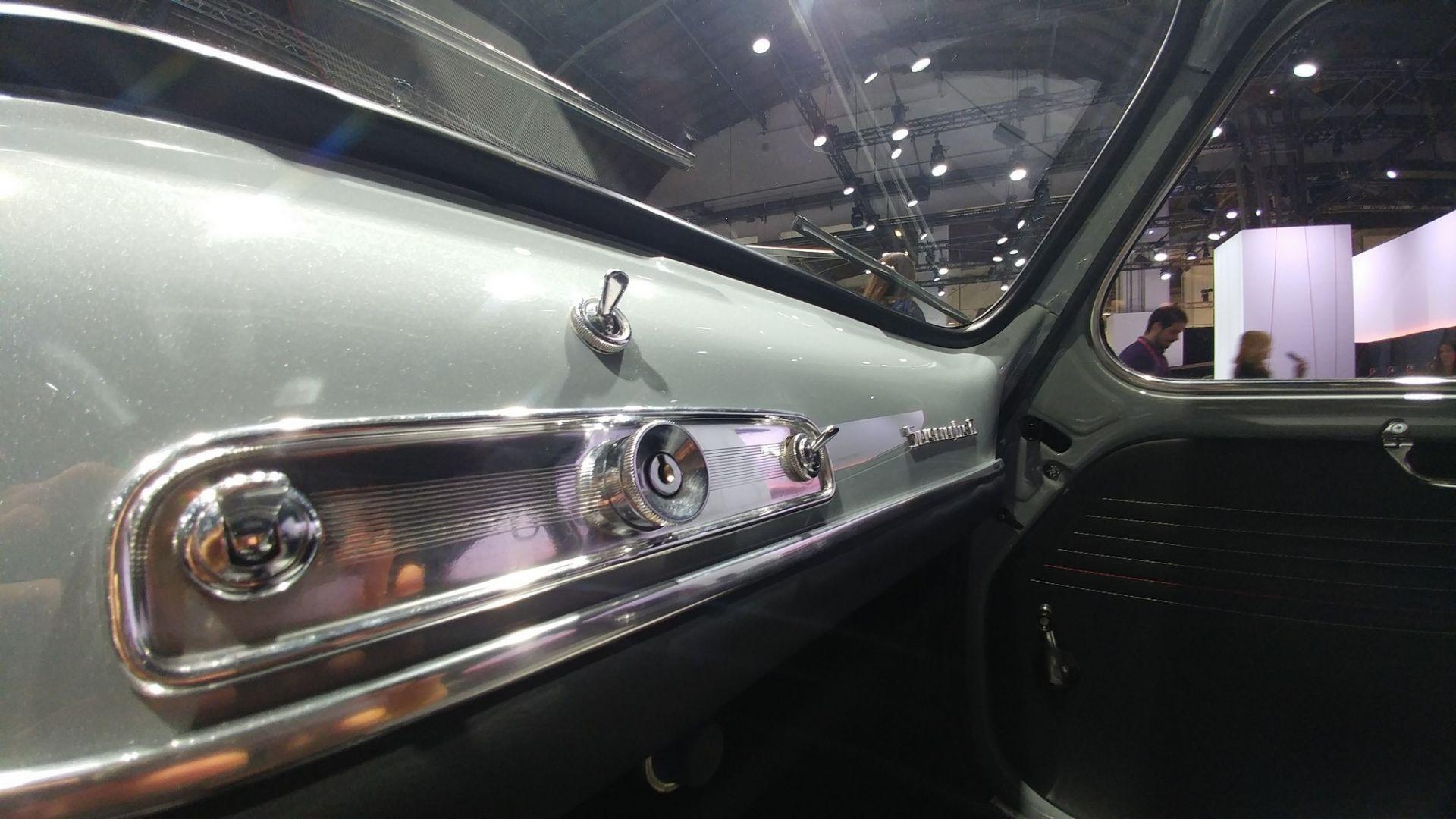 Vecchie auto con componenti moderne 568131-16x9-lg