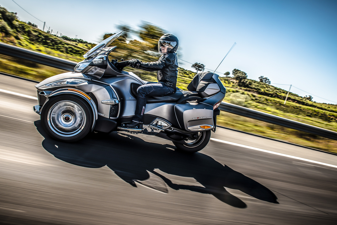 Le can-Am moteur 3 cylindres arrivent! Can-am-spyder-rt-2014-kfoto-453142