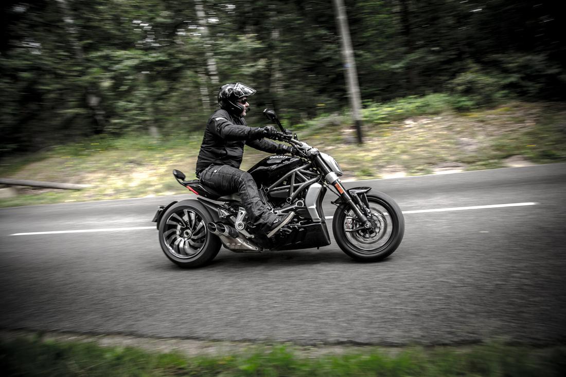 Ducati XDiavel Ducati-xdiavel-s-2016_19
