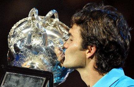 Australian Open 2012 (Melbourne) 16 - 29 Enero  Roger-federer-australian-open-final-trophy-307b69461801cb4d_large