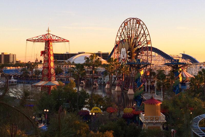 Manierismo. - Página 4 Disneyland-1_custom-4e94f958f8b592ac97bcf63fe035ebdc37850e8b-s800-c85