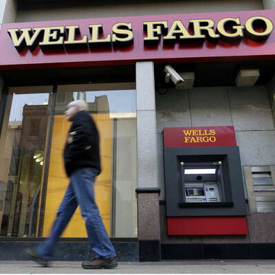 Wells Fargo CEO To Forfeit Tens Of Millions In Stock Awards Amid Scandal Ap_432582484775_sq-b4a38734b80b16212fc17254db288e0ea32fae62-s400-c85