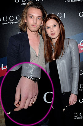 Bonnie Wright (ne) se marrie (plus) ! 55552782c9f6953a_Photos_of_Bonnie_Wright_and_Jamie_Campbell_Bower_Who_Are_Reportedly_Engaged