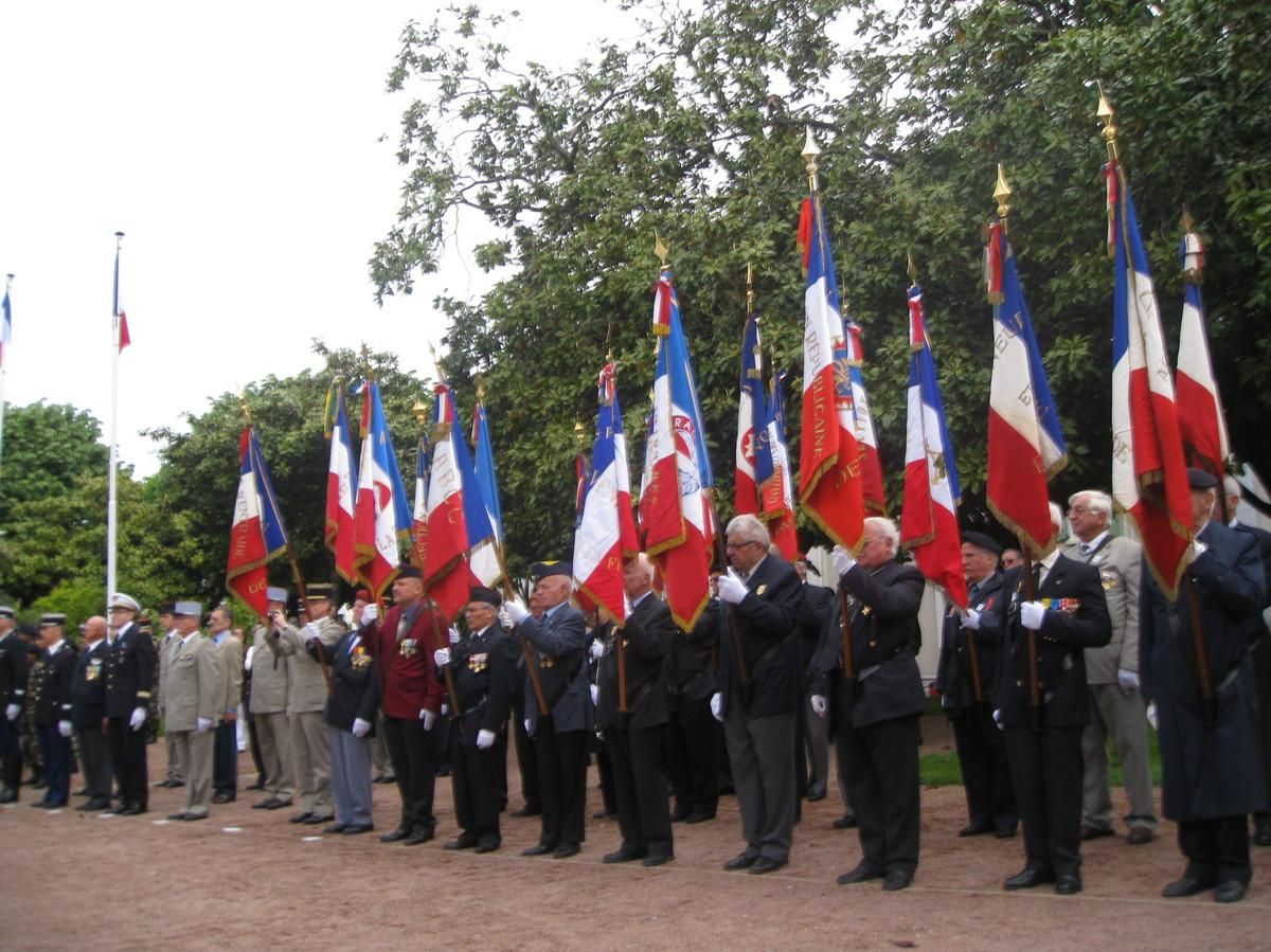 Bon Mardi 8-mai-1945-8-mai-2009-memoire-est-devoir-L-1