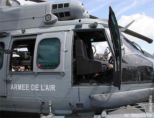 Helicoptero EC725 Super Cougar FAM (Parte 1) - Página 2 Ec-725-caracal-aero-2009-bourget-L-4