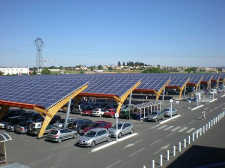 Couverture du parking visiteurs par des panneaux photovoltaïques bientôt à DLP? (concept p.8) - Page 9 Projet-centrale-photovoltaique-sur-parking-bo-L-1