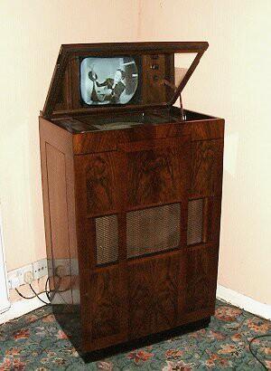 Les plus vieux dans le Monde - Page 4 Television-ancienne-monde-television-marconip-L-3