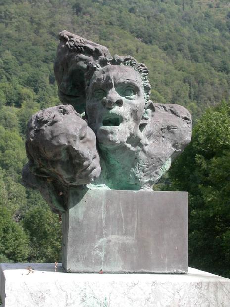 Denis Monfleur - Fondation Coubertin à St-Rémy-Les-Chevreuse Face-cachee-guerres-puissants-manipulent-L-1