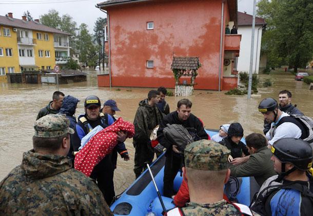 Ljudska dobrota - Page 4 Bosnian-flood