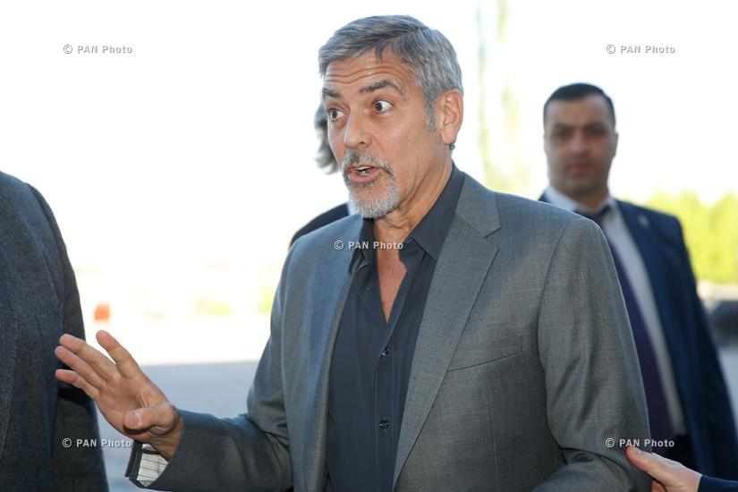 "George at the ""Against the Crime of Genozide"" Global Forum in Yerewan Big_3d387d261"