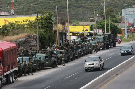Tiroteo entre militares y presuntos delincuentes deja 22 muertos en Edo de Mex 279919-6ec8402dd68722061_pf-8243131112_chilapncingo_jlc-d-440x293