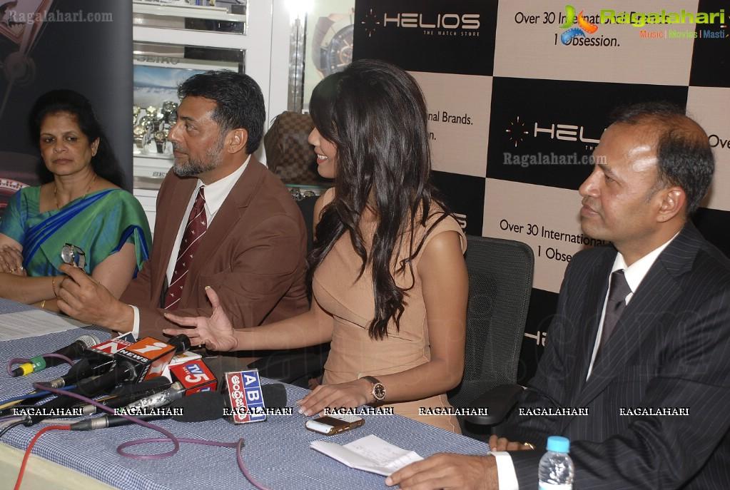 Official thread of MISS EARTH 2010 - Nicole Faria (India) - Page 4 Nicole-faria-launches-frederique-constant14