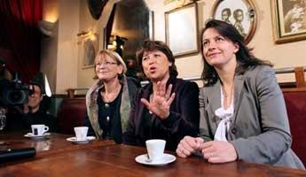 Elections régionales. Vote électronique, réforme territoriale, redécoupage, charcutage... - Page 2 5936307382_Martine-Aubry-Cecile-Duflot-et-Marie-George-Buffet-s-etaient-donne-rendez-vous-dans-un-cafe-branche-du-XIeme-arrondissement-de-la-capitale