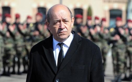 """Jean-Yves Le Drian : l'armée a """"une feuille de route cohérente et lisible"""". 7769475475_jean-yves-le-drian-le-ministre-de-la-defense-en-mars-archives"""