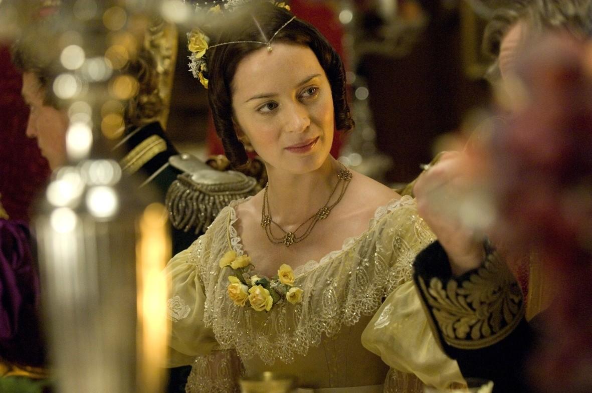 მსახიობები ,რომლებსაც დედოფლის როლი უთამაშნიათ !!! Long_live