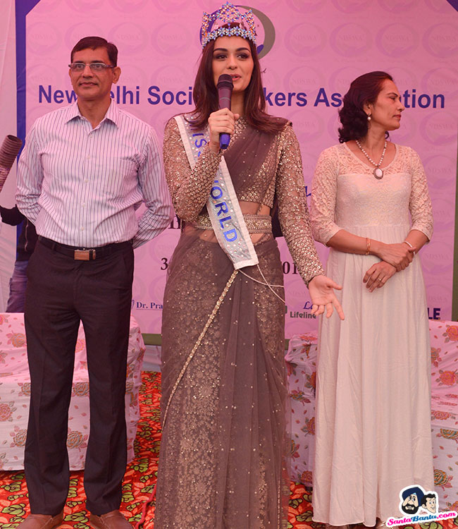 The Official Thread of Miss World 2017 ® Manushi Chhillar - India - Page 2 Manushi-chhillar-road-show-in-delhi-1