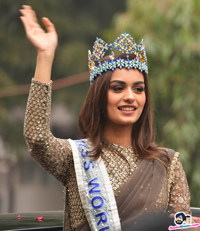 The Official Thread of Miss World 2017 ® Manushi Chhillar - India - Page 2 Manushi-chhillar-road-show-in-delhi-11