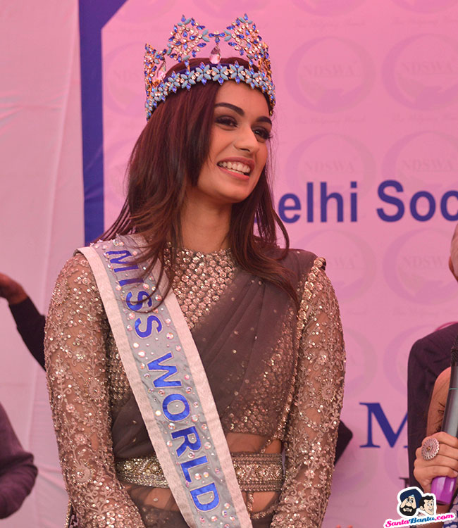 The Official Thread of Miss World 2017 ® Manushi Chhillar - India - Page 2 Manushi-chhillar-road-show-in-delhi-7