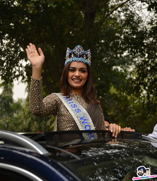 The Official Thread of Miss World 2017 ® Manushi Chhillar - India - Page 2 Manushi-chhillar-road-show-in-delhi-8