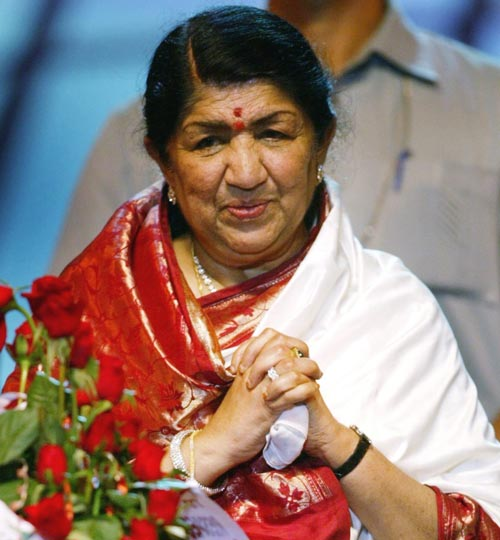 Cheer up boy! Lata and SRK offer help to Kapil Lata