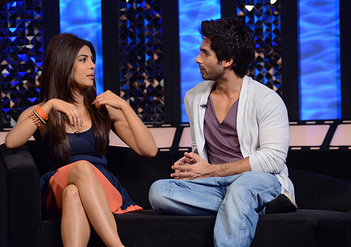 Five hotties we wish would spill the beans on their relationship status Priyanka-shahid37