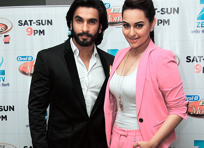 Five hotties we wish would spill the beans on their relationship status Ranveer-sonakshi13