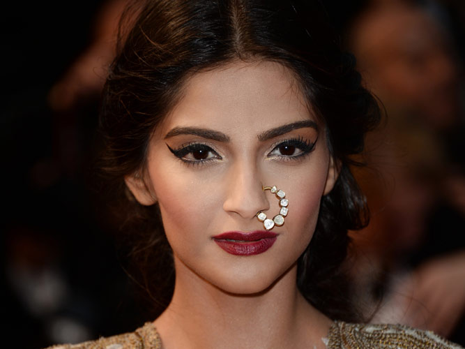 Sonam gets help with comic timing from Rishi Kapoor Sonam-cannes3