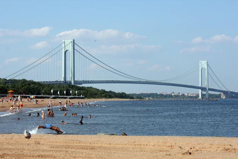 Északi tengerpart South-beach-with-vn-bridgejpg-82f3c70aef968764