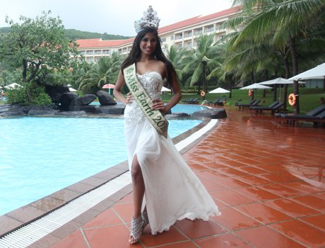 Official thread of MISS EARTH 2010 - Nicole Faria (India) 2_12_1291583250_66_132an651210