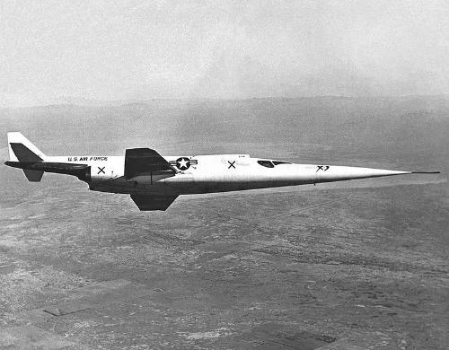 Des avions insolites . Douglas_X-3dim