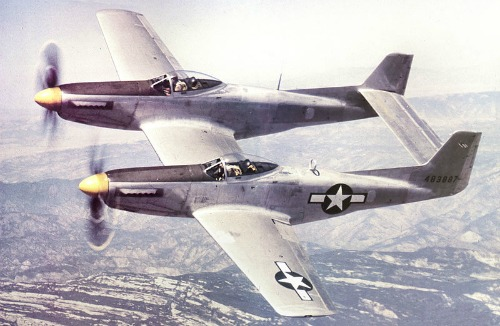 Des avions insolites . North_American_XP-82_Twin_Mustangdim1