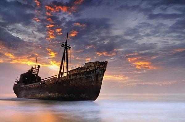 Top 25 des plus belles photos d'épaves de bateaux à travers le monde Shipwreck-1_resultat