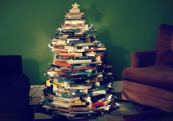 Image of the day - Page 13 Book-christmas-tree-9-600x421