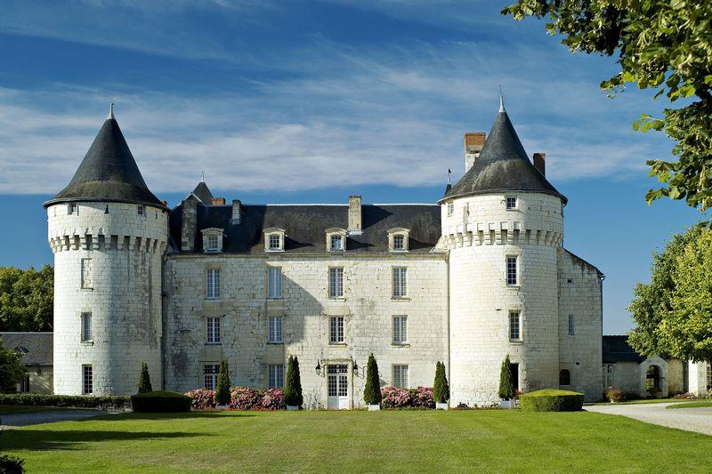 un château - ajonc - 30 août 2016 trouvé par Martine ADT372-tfinal-Le-Chateau-de-Marcay-Marcay