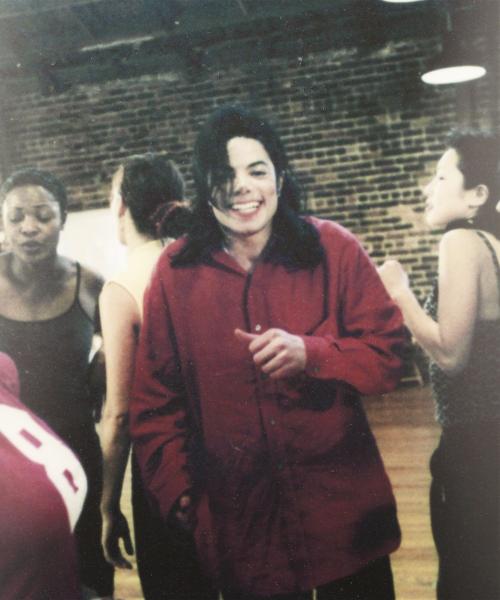 Raridades: Somente fotos RARAS de Michael Jackson. - Página 9 Tumblr_inline_mqbvgcTaCK1qz4rgp