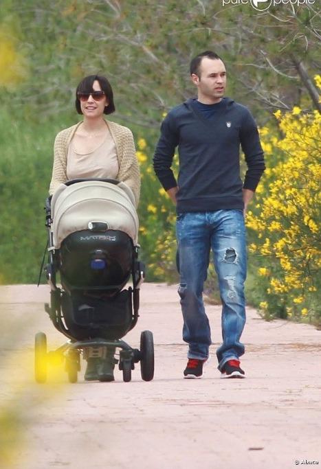 "الاندريس يخرج مع عائلته بنزهة ""صور"" Tumblr_lks5pgE01j1qg09ig"