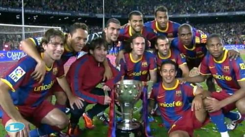 فيسكا بارسا ... فيسكا كتالونيا  صور احتفالات اللاعبين بعد مباراة الديبور   Tumblr_ll9a74T2Mp1qekhh9