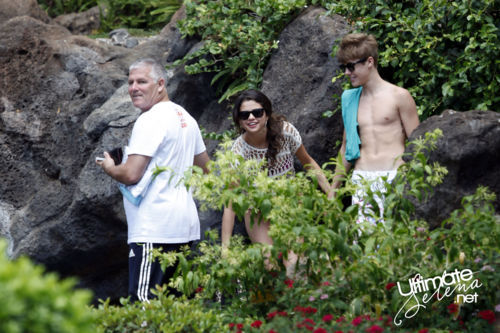 Justin Bieber and Selena Gomez - Page 4 Tumblr_llvoxiFpBW1qh8q13
