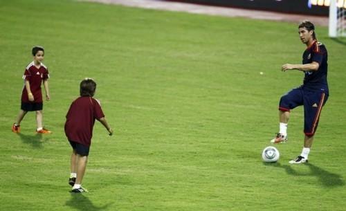 El Matador - Sergio Ramos - Page 2 Tumblr_lmev9yKaJl1qct097