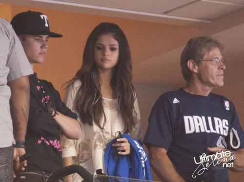 Justin Bieber and Selena Gomez - Page 3 Tumblr_lmhelnNGTN1qidrzy