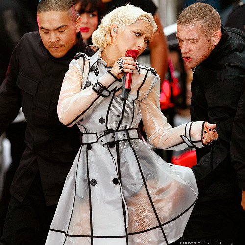 E!: Las 5 giras canceladas más famosas del mundo. [Christina Aguilera: Bionic Tour] Tumblr_lsq8sjWTpw1qzlbxm