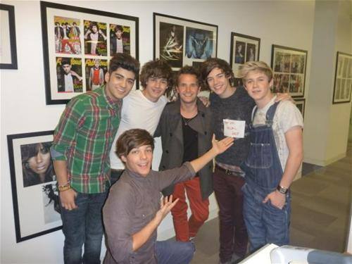 "One Direction (X Factor UK) >> album ""Up All Night"" [IV] Tumblr_lugu9irVo31r0uczl"